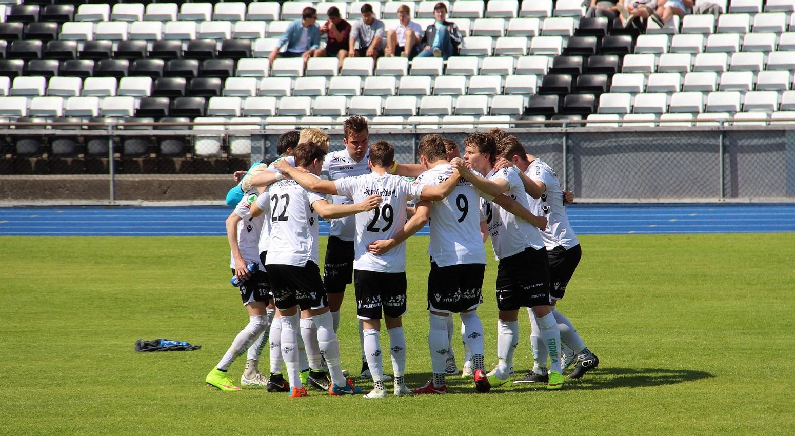 equipo juvenil futbol