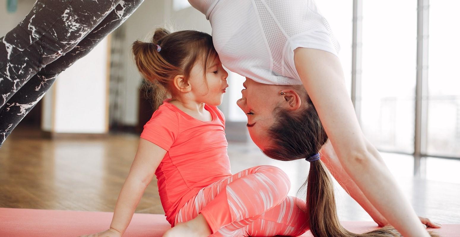 yoga familia pequevacaciones