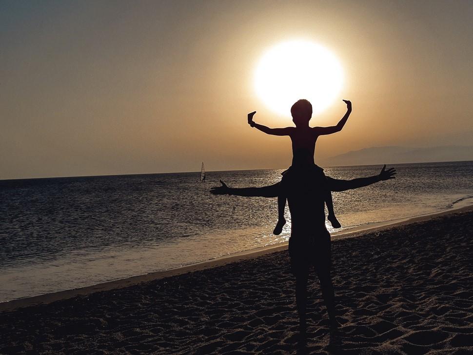 Ramon F Aventura en Cabo de Gata Atrapando al Sol