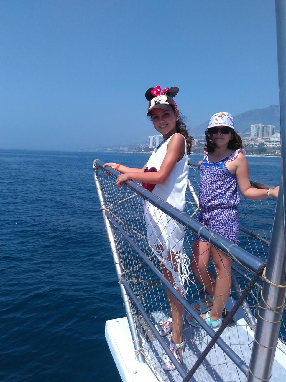 María Dolores H Costa del Sol VIP En busca de delfines con mi nueva amiga
