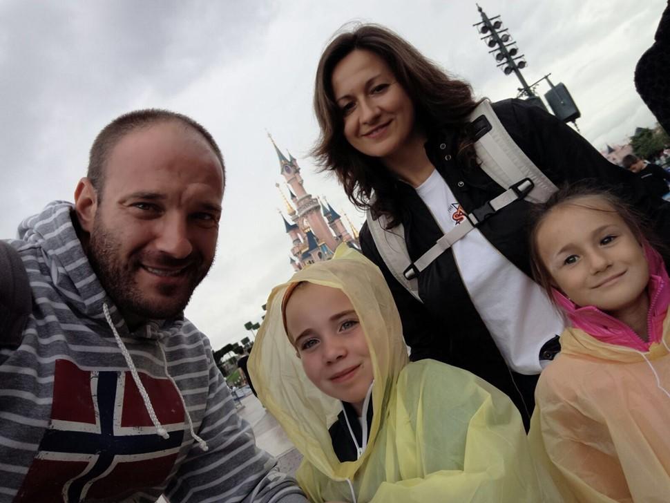 María del Rosario R Vacaiones en Disneyland París 01