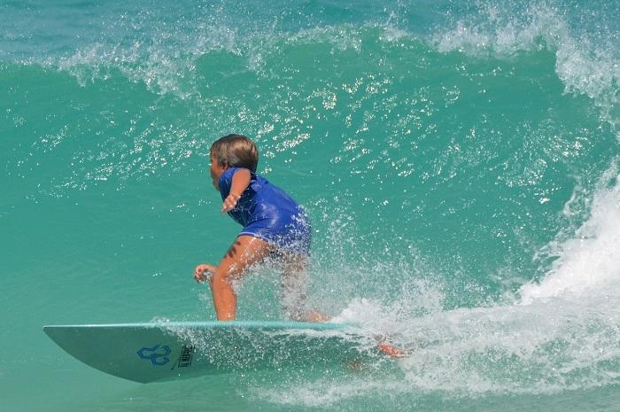 niño surf riviera maya